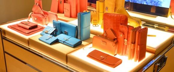 Женские сумочки и аксессуары Tod's (клатчи, кошельки)