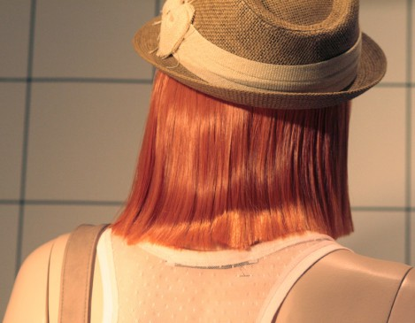 Фото девушки с прямыми волосами