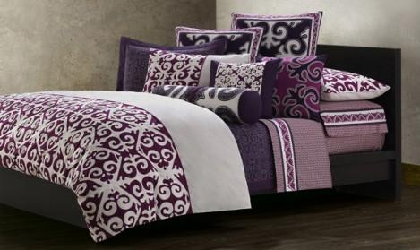Подушки и валики для спальни в восточном стиле