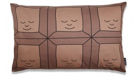Подушка в виде плитки шоколада